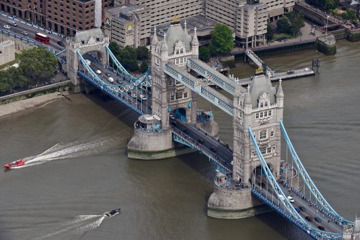 The London Helicopter, London - TLH_Tower Bridge_close ©Courtesy of The London Helicopter